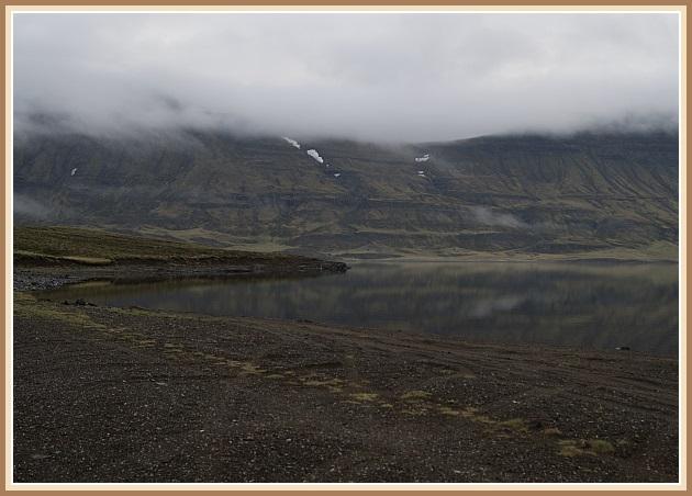 Við Hítarvatn