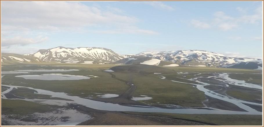 Utanvegaakstur í nágrenni Löðmundar