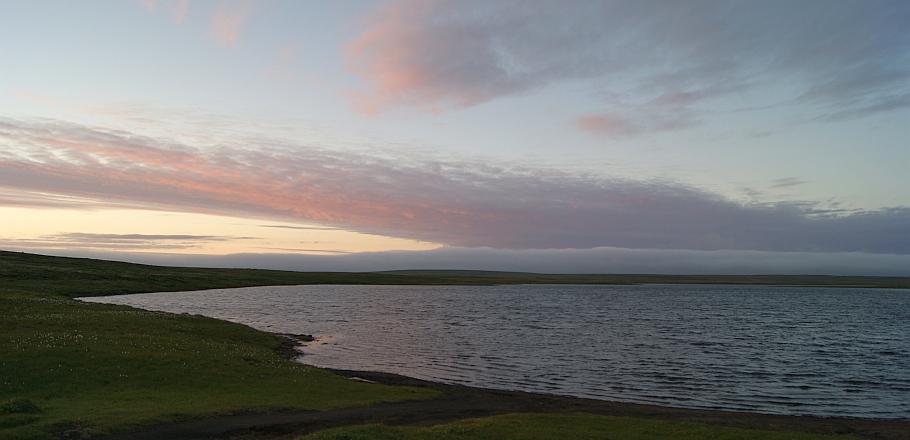 Sólsetur við Langavatn á Skaga
